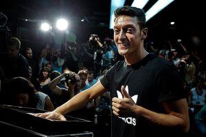 Özil cierra los fichajes 'bomba' en el fútbol de Europa (fotos)