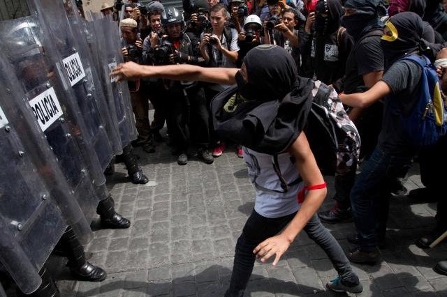 Peña Nieto pide aprobar reformas