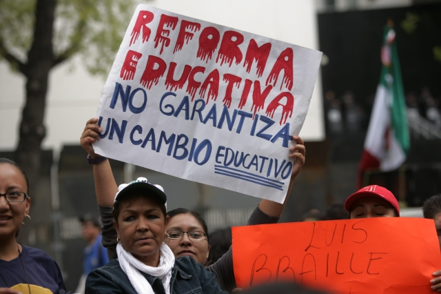 Senado  aprueba reforma educativa