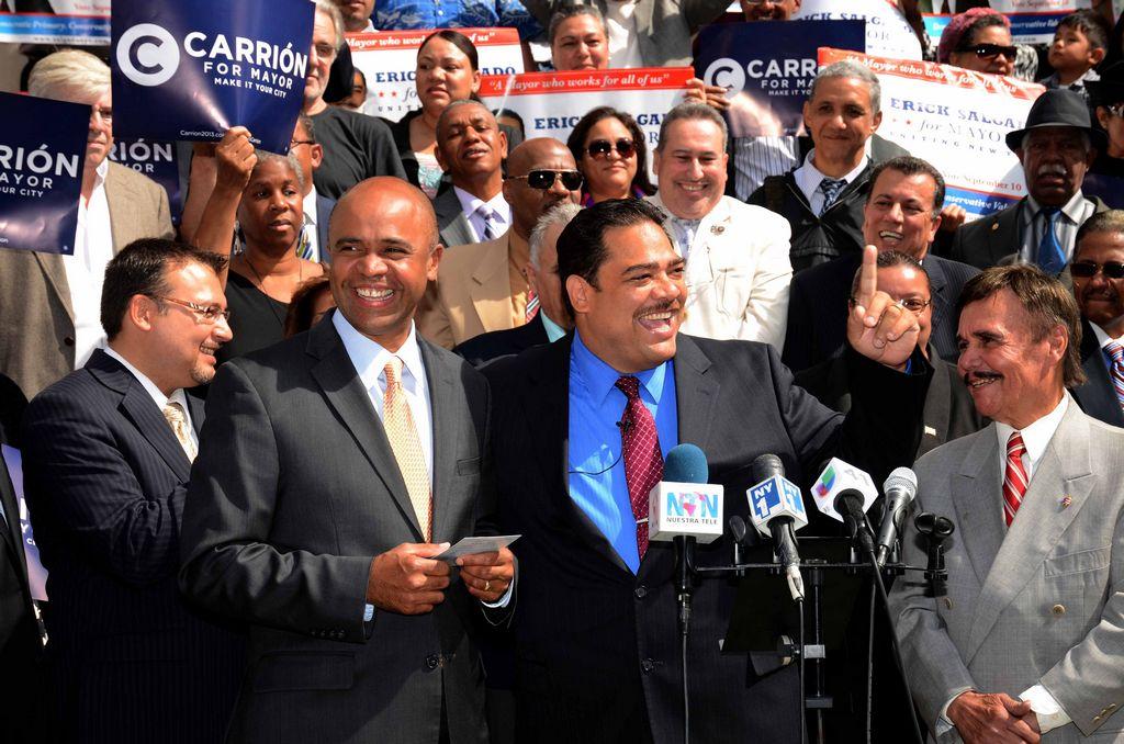 Aspirantes latinos a Alcaldía NYC piden votar a hispanos