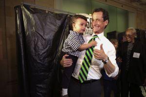 Error del sistema casi deja a Anthony Weiner sin votar