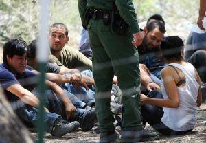Rescatan a 140 inmigrantes en una casa de Texas