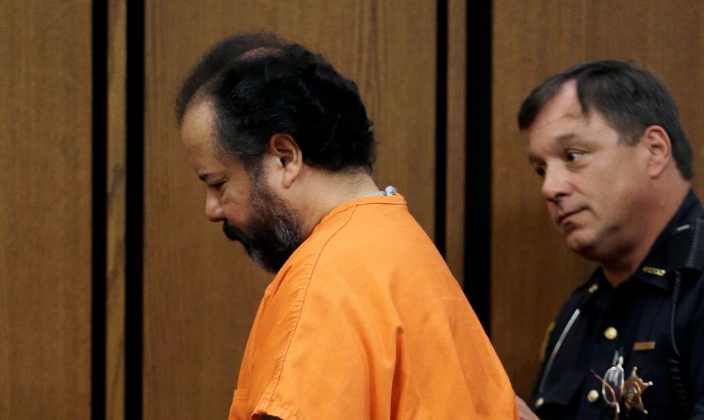 Suspenden carceleros por suicidio de Ariel Castro en Ohio