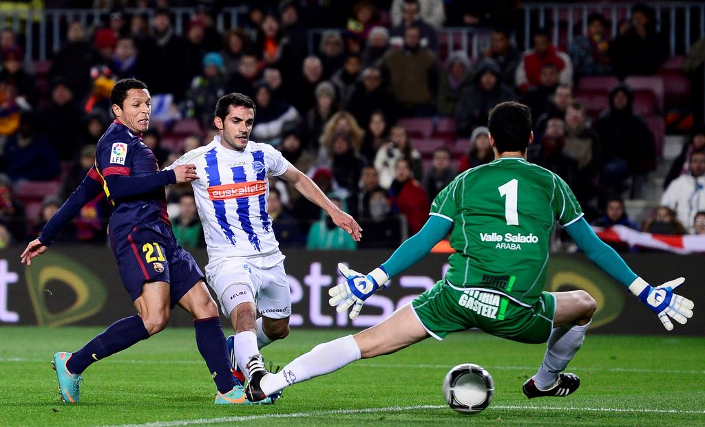 Adriano dice que la vocación ofensiva del Barsa es más que un estilo.