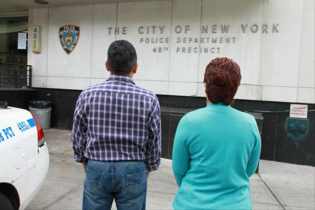 Policía busca a estafador de inmigrantes en El Bronx