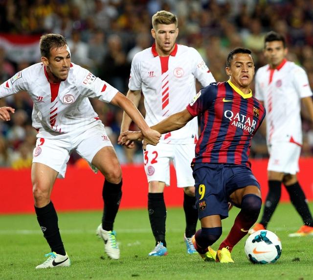 Alexis  rescata al Barça en el descuento