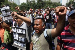 Maestros regresan a marchar en México