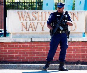 Atacante de Washington puso frases extrañas en su arma