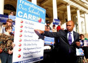 Carrión presenta plan de educación con escuelas comunitarias