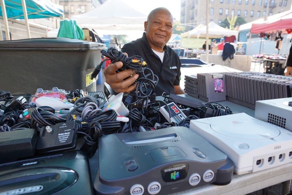 Dominicano hace del reciclaje su negocio en el Alto Manhattan