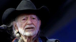 Buscan armadillo robado en NYC tras concierto de Willie Nelson