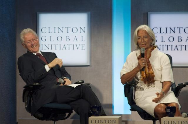 Clinton da último impulso a 'Obamacare'