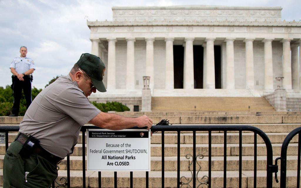 Senado vuelve a rechazar oferta republicana y sigue el cierre