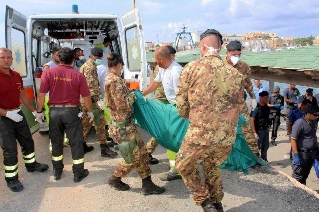 Muertos en naufragio en Italia podrían ser más de 300