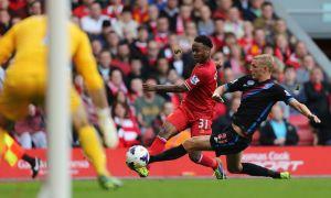Liverpool gana y es líder en la Liga Premier (Video)