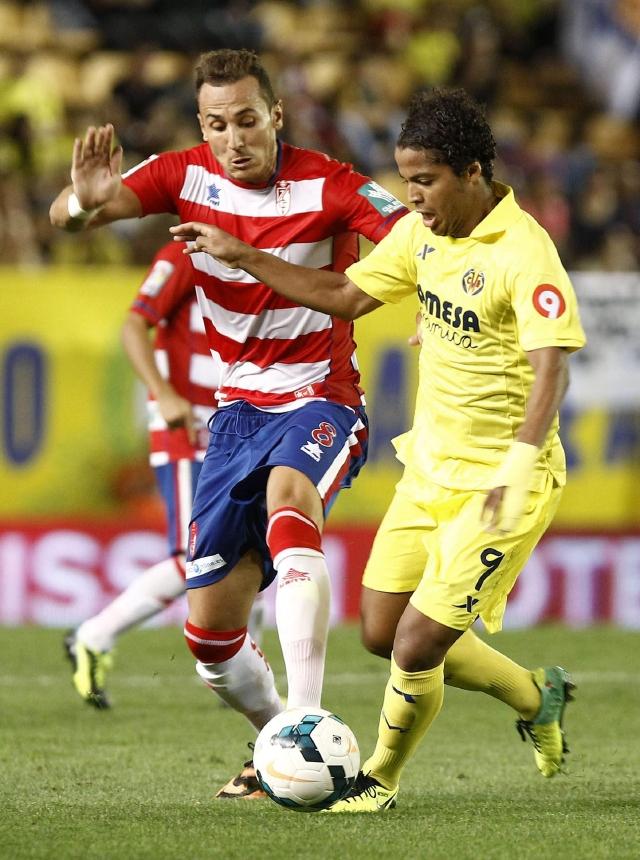 Gio marca gol  en España