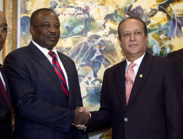 Analizarán medida contra haitianos