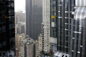 Crisis con grúa cerca del Carnegie Hall en Manhattan