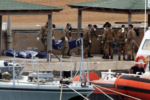 Recuperan 17 cadáveres más del naufragio en Lampedusa
