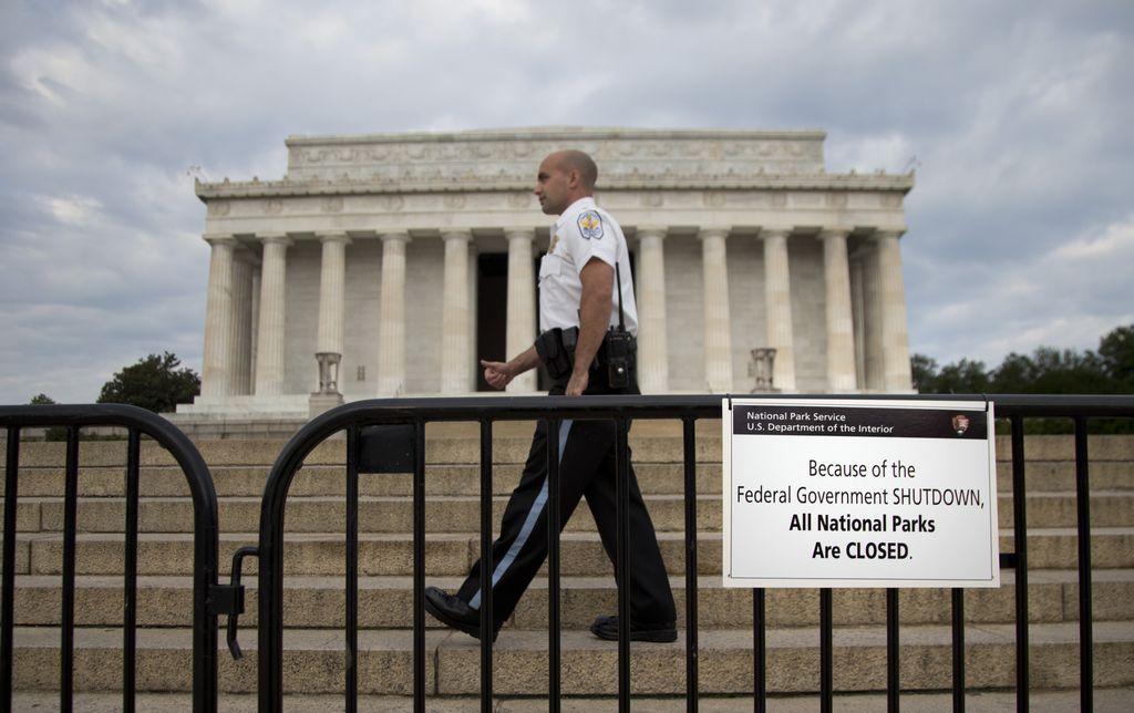 Primera semana del cierre de gobierno costó $2,100 millones