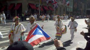 Hispanos desfilan en NYC con reforma migratoria en mente