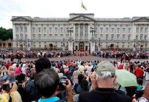 Hombre intentó ingresar con cuchillo al palacio de Buckingham
