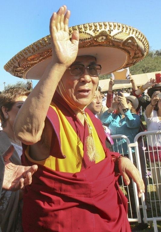 Dalái Lama apoya a medias la marihuana y el aborto