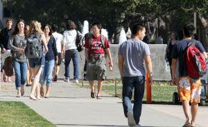Corte Suprema de EEUU analiza la selección racial en universidades