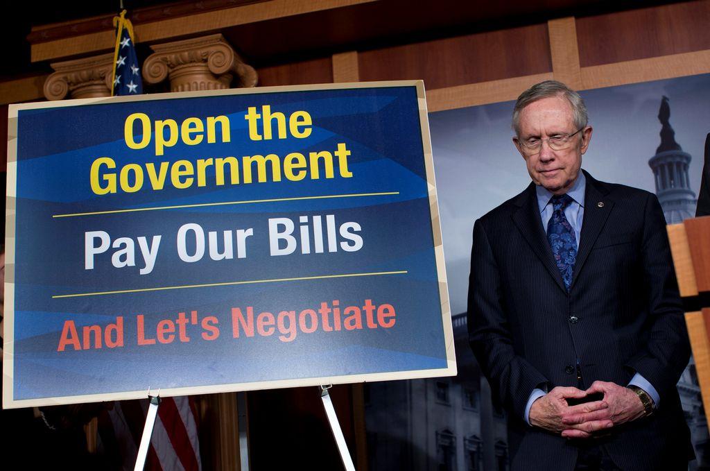 El líder de la mayoría demócrata en el Senado, Harry Reid (foto), ha liderado junto al republicano Mitch McConnell una serie de negociaciones que buscan poner fin a la crisis de cierre de gobierno.