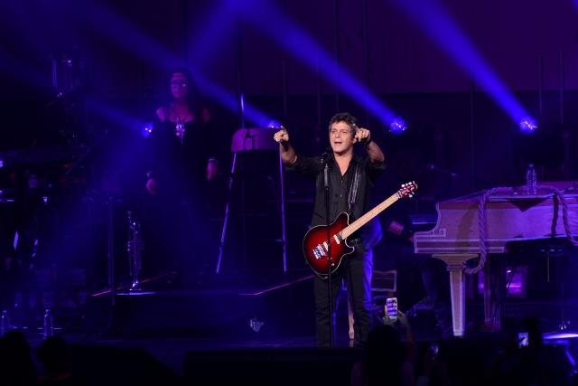 Alejandro Sanz terminó su gira internacional en el Auditorio Nacional de la ciudad de México, mismo escenario donde la inició.