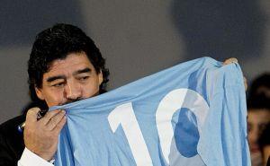 Diego Armando Maradona desea dirigir al Napoli