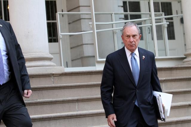 Ex alcalde de NYC Michael Bloomberg asoma plan para derrotar a Trump en 2020