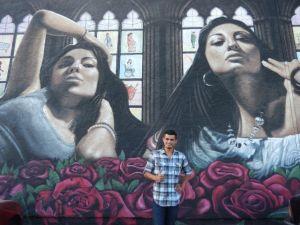 Muralista Levi Ponce busca embellecer a Pacoima