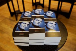 Libro de Morrissey triunfa en ventas