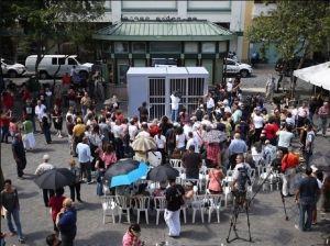 "Estudiantes en El Bronx ""irán a prisión"" por Oscar López"