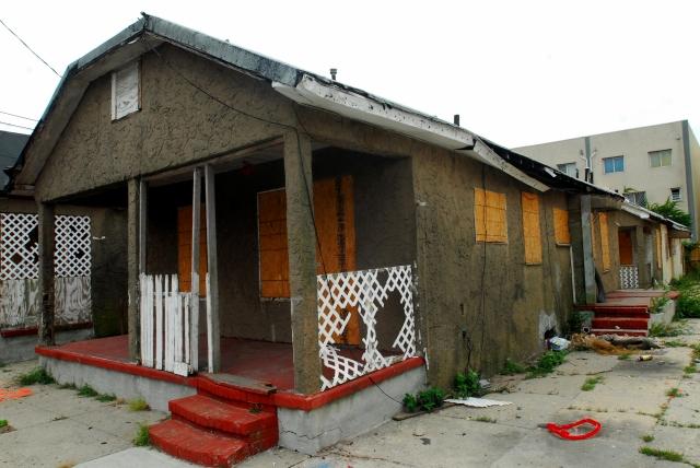 Víctimas de Sandy en Queens aún no se recuperan