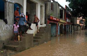 Más de 1,400 evacuados en Cuba por fuertes lluvias