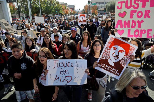 Aumentan protestas por muerte de Andy López en California