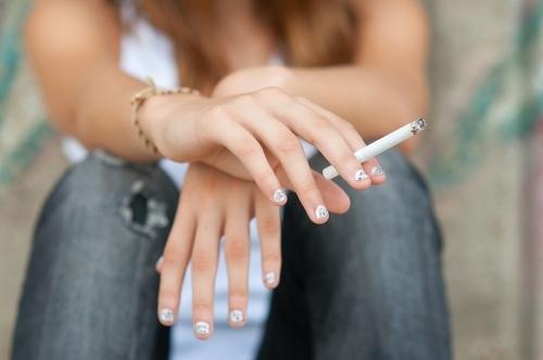 NYC eleva a 21 años edad para comprar cigarrillos