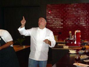 Premian a chef y a sindicalista por defensa de inmigrantes