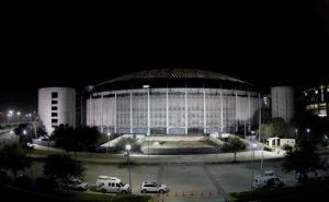 Texanos votan a favor de demoler el Astrodome de Houston