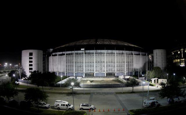 Texanos votan a favor de demoler el Astrodome de Houston
