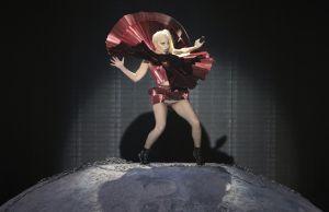 Lady Gaga cantará desde el espacio en 2015