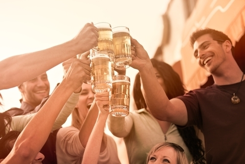 Medida en Puerto Rico dispone aumento de edad para beber alcohol