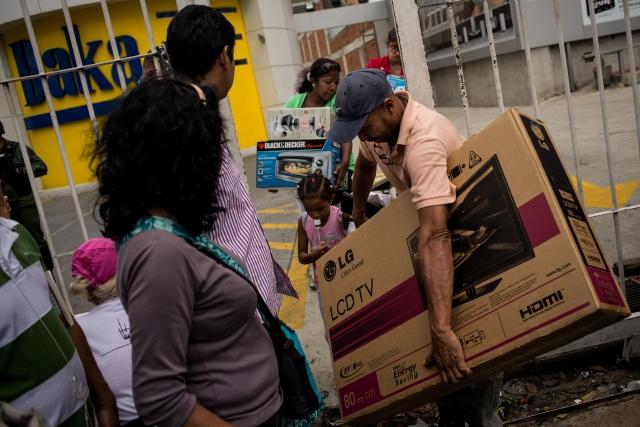 Varios detenidos por saqueos en Venezuela