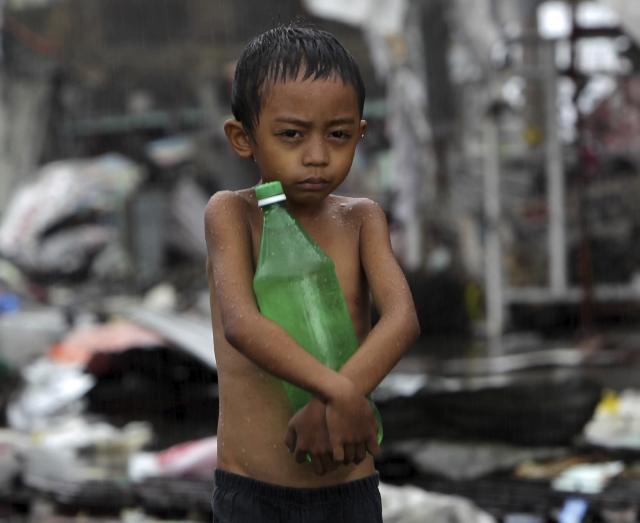 Claman millonaria ayuda para  Filipinas