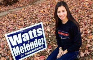Electa a concejo municipal en Connecticut Latina de 19 años