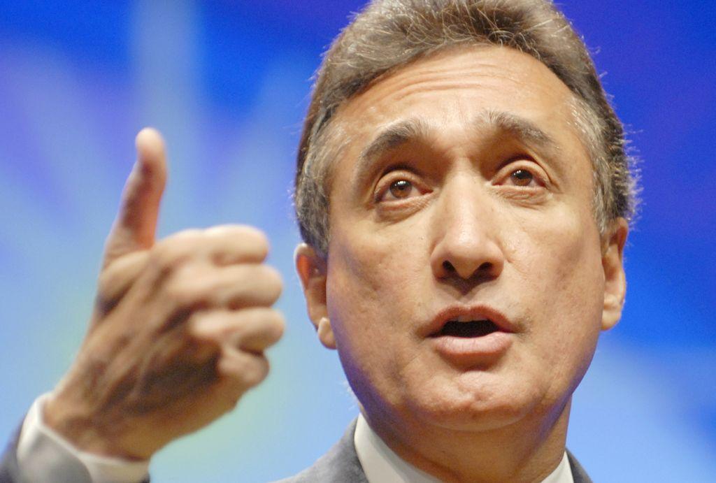 Henry Cisneros cree que habrá reforma migratoria en 2014