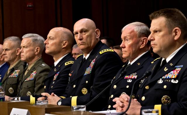 Kirsten Gillibrand presiona sobre abuso sexual militar