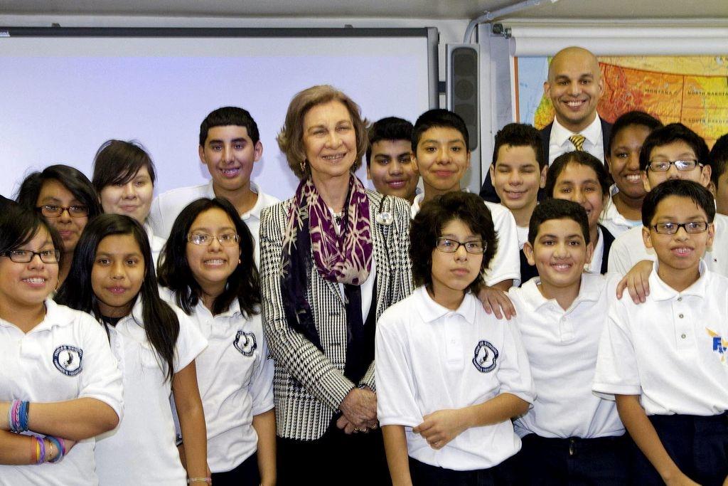 Estudiantes de NYC orgullosos por visita de reina Sofía